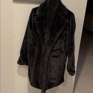 Angel Kiss Los Angeles Black Faux Fir Coat